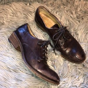 Frye Carson distressed oxford loaded lace up 7.5